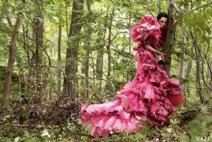 Robe fleurs couverture de Vogue magazine